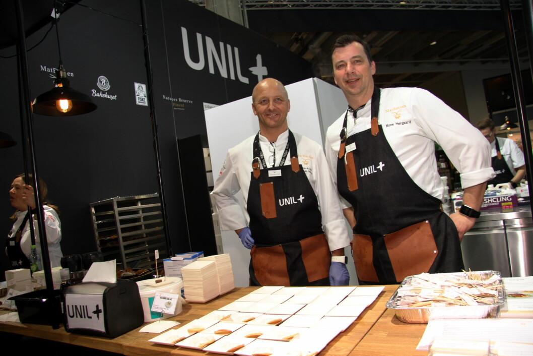 Unil+ er på plass på Smak 2017 på Norges Varemesse. Her produktutvikler Svenn-Arild Nordrum Nilsen og KAM Rune Nørgaard. (Foto: Morten Holt)