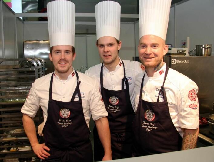 Det ble dessverre ingen pallplass på det norske laget, bestående av Håkon Solbakk (fra venstre), Eirik Tufte og Alexander Østli Berg i Nordic Chefs Team Challenge på Smak 2017 i dag. (Foto: Morten Holt)