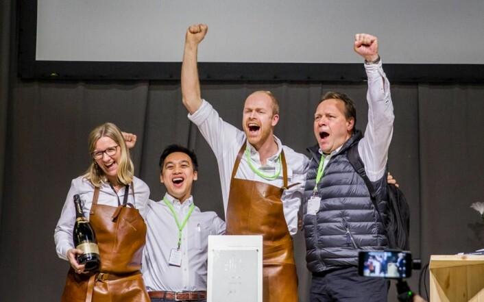 Hilde Klerck-Nilssen, Dinh Tran, Petter Brinchmann og Jan Arstad mottok prisen for beste stand på vegne av Nortura Proff. (Foto: Ihne Pedersen)