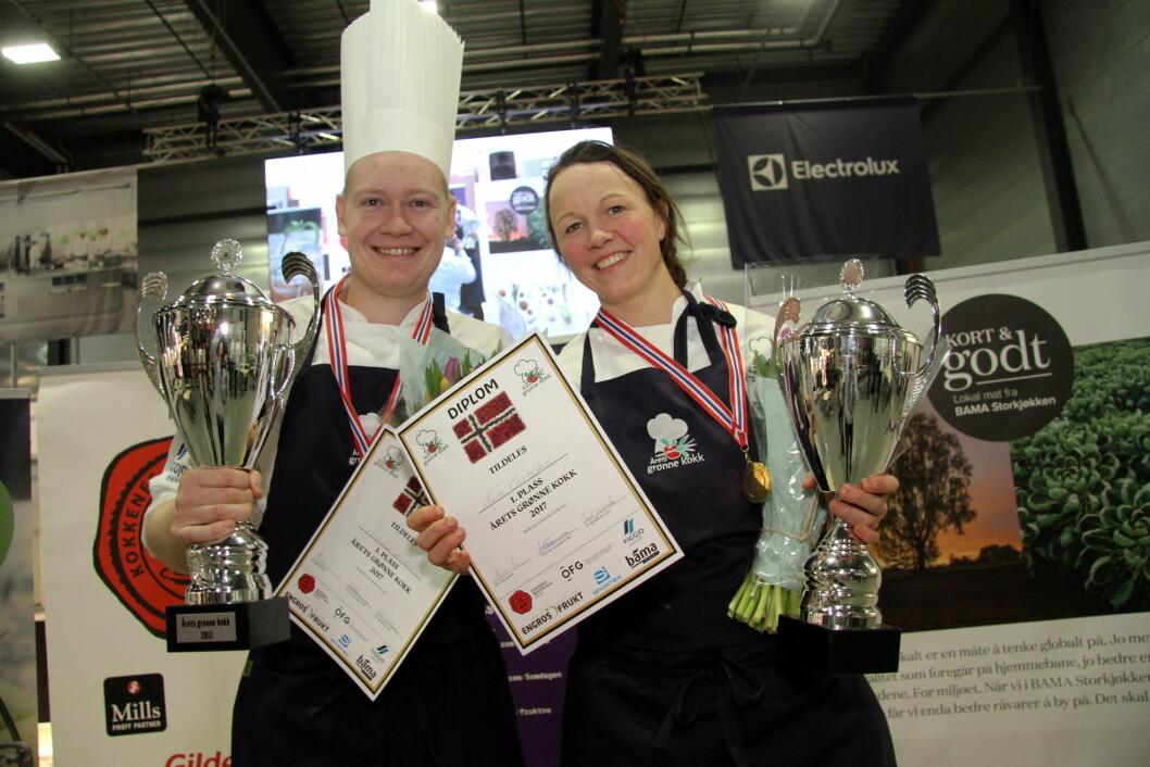 Joachim Lindgren og Nina Kristoffersen fra Statholdergaarden vant Årets grønne kokk 2017. (Foto: Morten Holt)