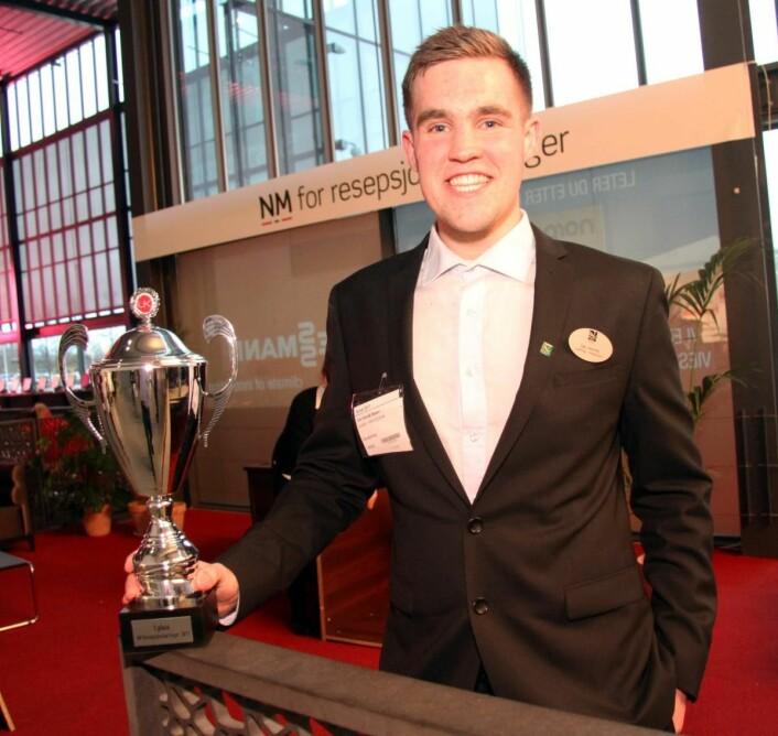 Ole Henrik Stølen fra Quality Hotel Sogndal vant NM for resepsjonslærlinger på Smak 2017. (Foto: Morten Holt)