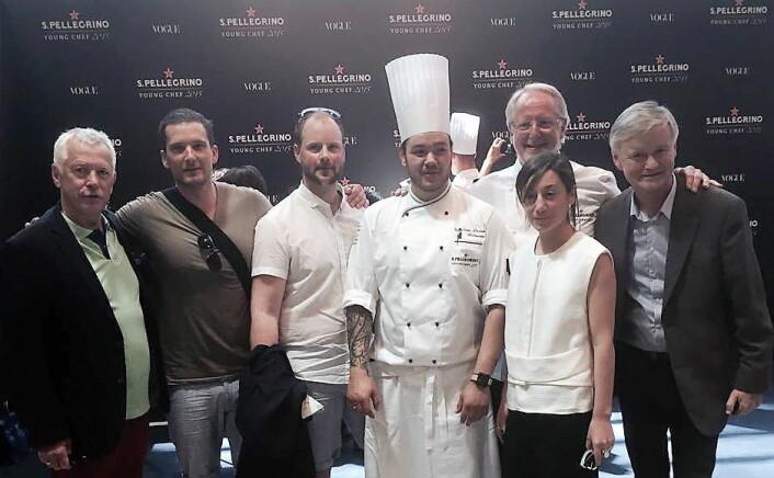 Christian A. Pettersen sammen med blant andre Eyvind Hellstrøm da han deltok i S. Pellegrino Young Chef ble arrangert i 2015. (Foto: Arkiv)