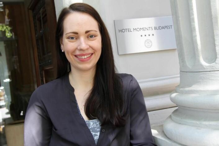<em>Markeds- og eventmanager i Continental Group, Bernadette Gyenei, på det nye hotellet Moments i Budapest. (Foto: Morten Holt)</em>