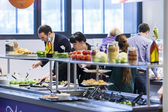500 norske kantiner og personalrestauranter i bruk en helt ny metode for å redusere klimautslippene. (Illustrasjonsfoto: Olav Heggø/Fotovisjon)