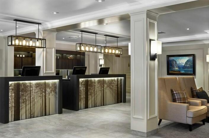 Fra og med i dag ønskes du velkommen til Scandic i resepsjonen på dette hotellet.