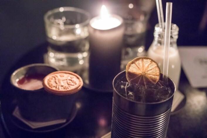 Drinker hos Himkok i Oslo. (Foto: Kristen Kellogg)
