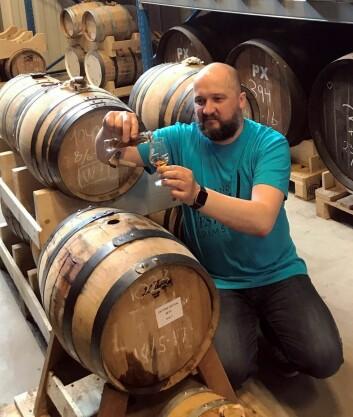 Jon Bertelsen står bak festivaltapningen av Eiktyrne single malt whisky.