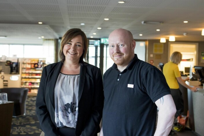 Hotelldirektør Merete Imbsen og teknisk sjef Svein Arne Eggen på Scandic Bakklandet. (Foto: Apurgo)