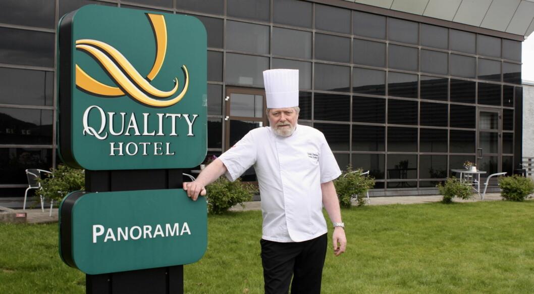 Karstein Kråkvik har arbeidet som kokk i 50 år, de siste 30 på Quality Hotel Panorama. (Foto: Quality Hotel Panorama)