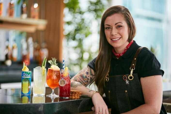 Kaitlyn Stewart med sine fire vinnerdrinker (se oppskrift på drinkene under). (Foto: World Class)