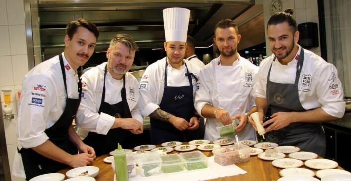Rasmus Johnsen Skoglund (fra venstre), Geir Magnus Svae, Christian André Pettersen, Øyvind Bøe Dalelv og Filip August Bendi kjemper tirsdag 12. september om den gjeve Årets kokk-tittelen, som gir Bocuse d'Or-plass. (Foto: Morten Holt)