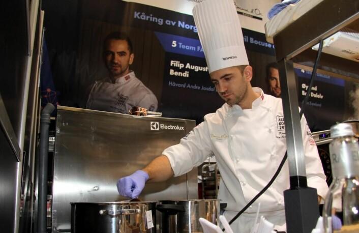 Filip August Bendi er den eneste av de fem finalistene som har vært med i Bocuse d'Or tidligere. Han var commis for Gunnarf Hvarnes både i Bocuse d'Or Europe i Sveits i 2010 og Bocuse d'Or i Lyon i 2011. (Foto: Morten Holt)