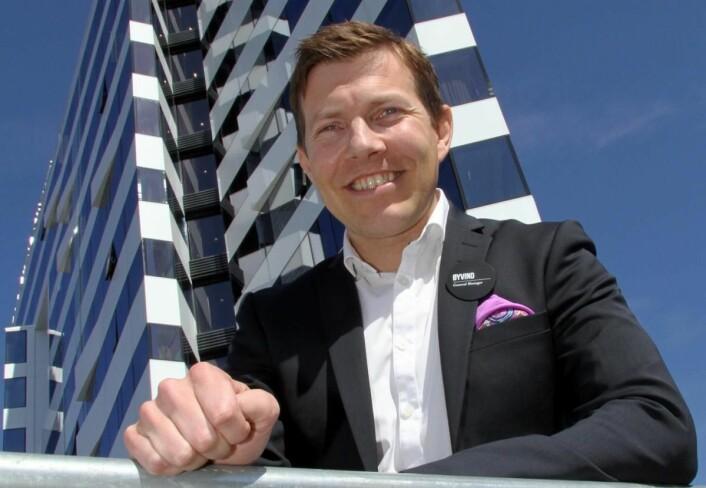 Det ble en litt hektisk søndagsmorgen for hotelldirektør Øyvind Alapnes. (Foto: Morten Holt)