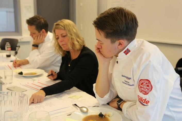 – Konkurranser vekker instinkter og motiverer veldig, sier landslagskaptein og juryleder Christer Rødseth (nærmest). (Foto: Scandic Hotels)