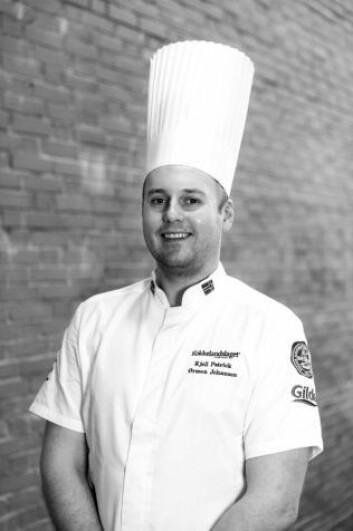 Kjell Patrck Ørmen Johnsen er vinner av NM i kokkekunst 2017. (Foto: Nordsveen.no)