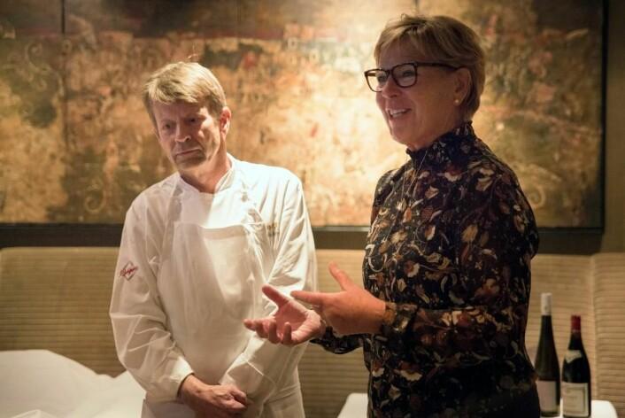 Lars Erik Underthun og Wenche Andersen i juryen for Twinings Best Breakfast. (Foto: Ihne Pedersen/Haugen-Gruppen)