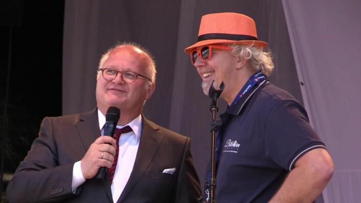 Bjørn B Jacobsen (til høyre) sammen med Finn Bjelke. (Foto: DestinasjonsKirurgene)