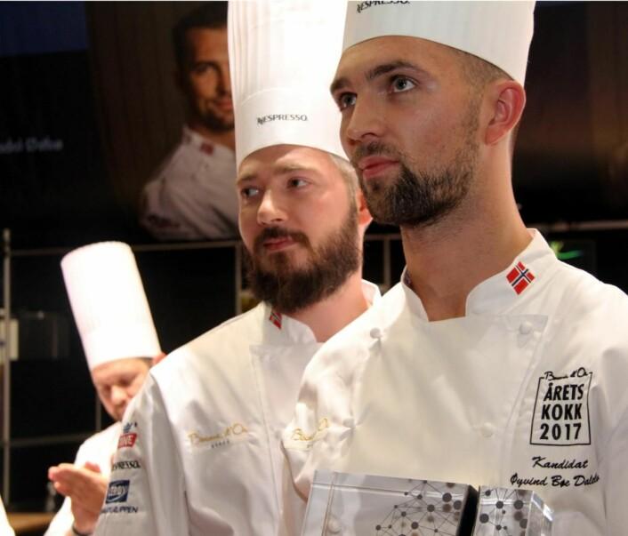 Even Ramsvik (til venstre) var coach for Øyvind Bøe Dalelv i Årets kokk 2017. Bøe Dalelv tok sølvet, knepent slått av kameraten Christian A. Pettersen. (Foto: Morten Holt)