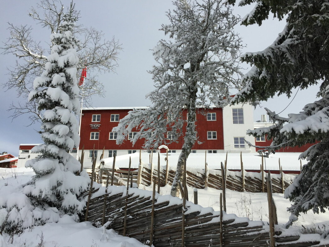 – Det er sjelden vi får så store mengder snø så tidlig i sesongen og på så kort tid. På Skeikampen har vi nå 60 kilometer med oppkjørte langrennsløyper – for både klassisk og skøyting, sier hotelldirektør ved Thon Hotel Skeikampen, Lars S. Pettersen. (Foto: Thon Hotels)
