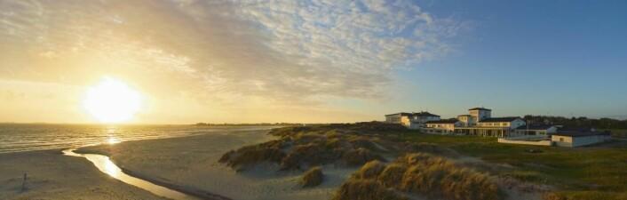 Sola Strand Hotel ligger helt nede ved Solastranden. (Foto: De Historiske)