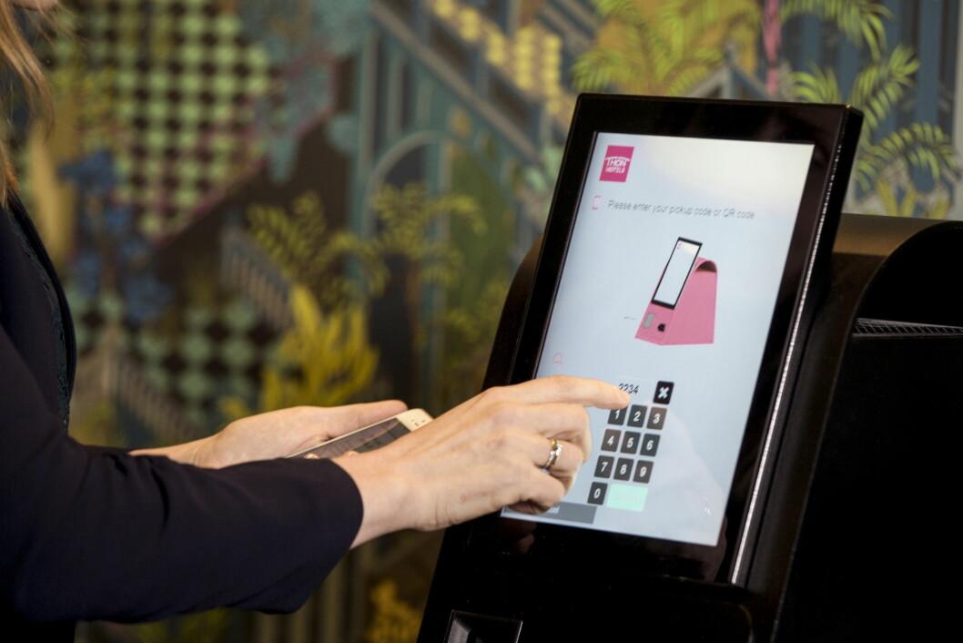 Slik ser de nye selvbetjeningsautomatene ut hos Thon Hotels. (Foto: Thon Hotels)