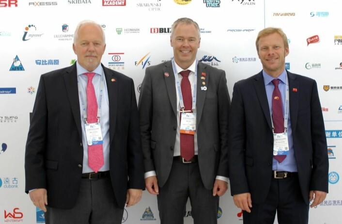 Bjørn B Jacobsen, Atle Hovi og Tor Håvard Kolbu. (Foto: DestinasjonsKirurgene)
