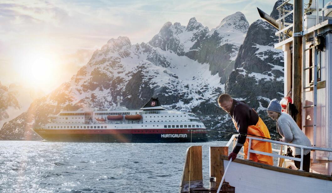 Hurtigruten har i 125 år vært et kjent tegn langs den norske kysten. (Foto: Jens Haugen/Hurtigruten)