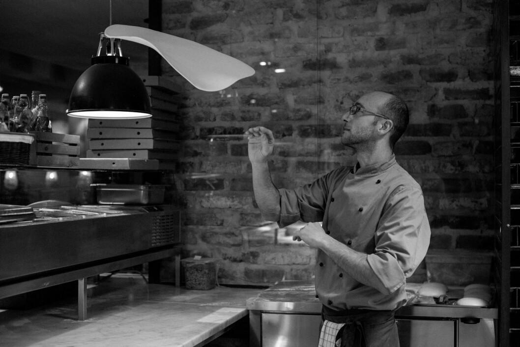 Elio Corsi er kanskje Norges mest kjente pizzabaker. Nå åpner han og Little Eataly ny restaurant på Storo Storsenter. (Foto: Little Eataly)