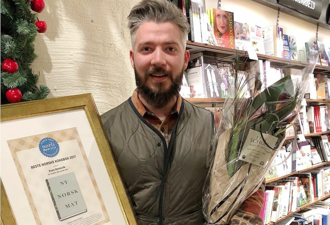 Even Ramsvik vant prisen «Beste norske kokebok» i 2017 med boka «Ny norsk mat». (Foto: Arrangøren)