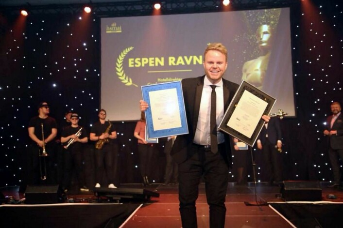 Espen Ravnå, som er hotelldirektør på Comfort Hotel Trondheim, ble«Årets unge hotelier». (Foto: Camilla Bergan/HSMAI)