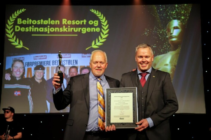 HSMAI-pris til Atle Hovi (til høyre) og Bjørn B Jacobsen. (Foto: Camilla Bergan/HSMAI)