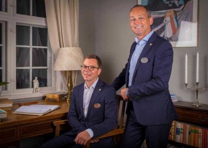 Kenneth Kvam Tangen (til venstre) og Morten Leite er nytt vertskap på Ringnes Gård. (Foto: Helle Madsen)