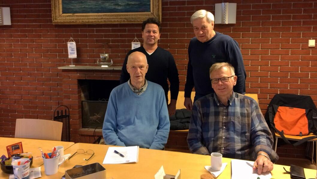 Komiteen for storkjøkkenseniorene i BFSN består foran Halfdan Bryn ( til venstre) og Arne Dalseng og bak daglig leder i BFSN Joe Harald Strand (til venstre) og Rudi Becsan. (Foto: BFSN)