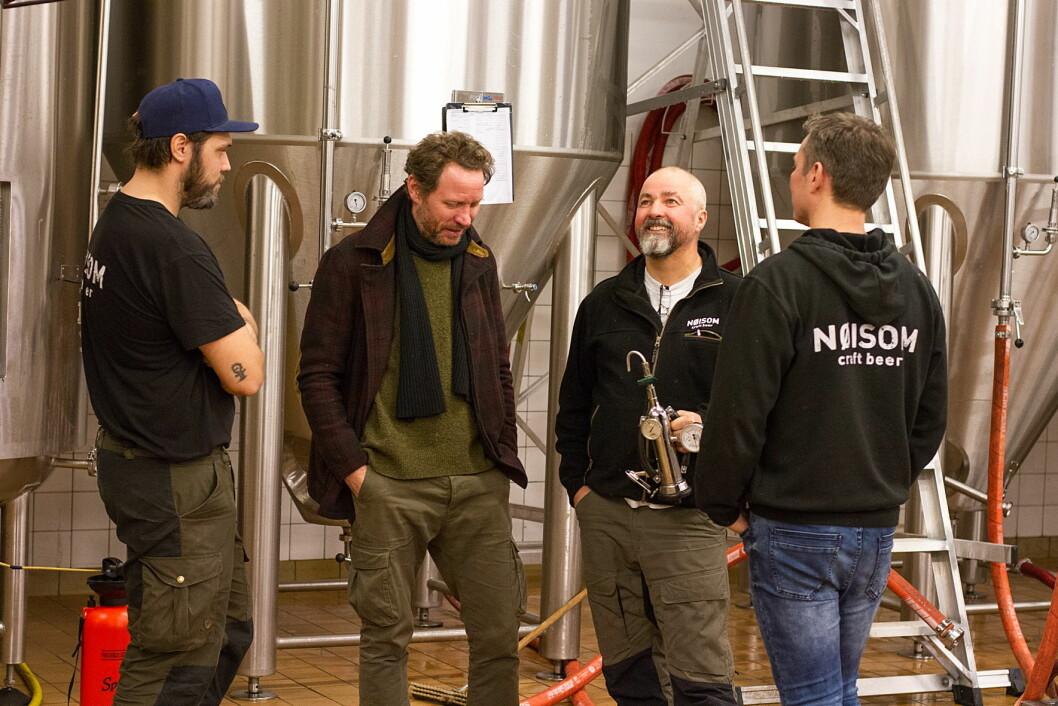 Nøisom lanserer ølet Tigergutt i samarbeid med CC Cowboys og Magnus Grønneberg (nummer to fra venstre). (Foto: Nøisom)