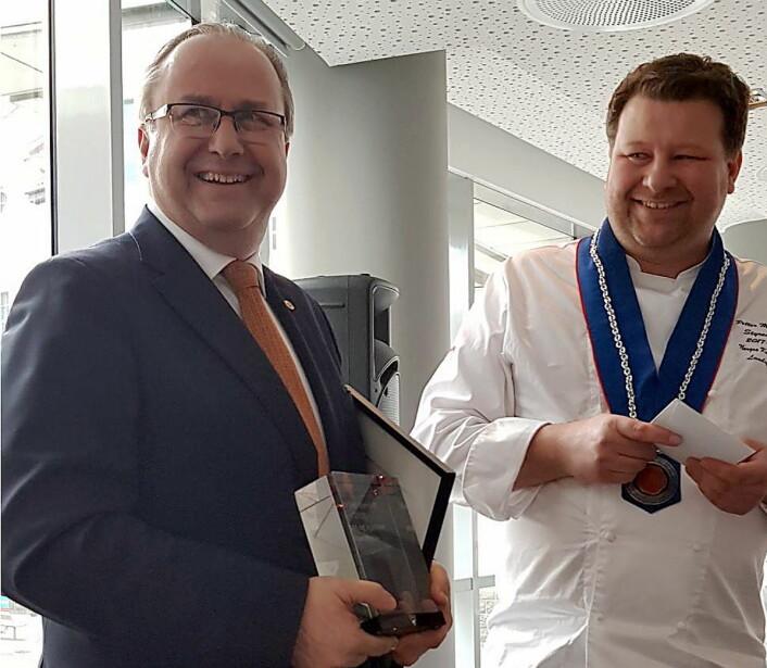 Roar Hildonen sammen med Petter Markussen etter utdelingen. (Foto: NKL)