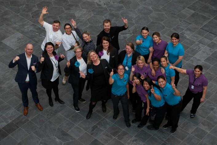 Glade ansatte etter reåpningen av Quality Airport Hotel Gardermoen. (Foto: Jonas Berglund)