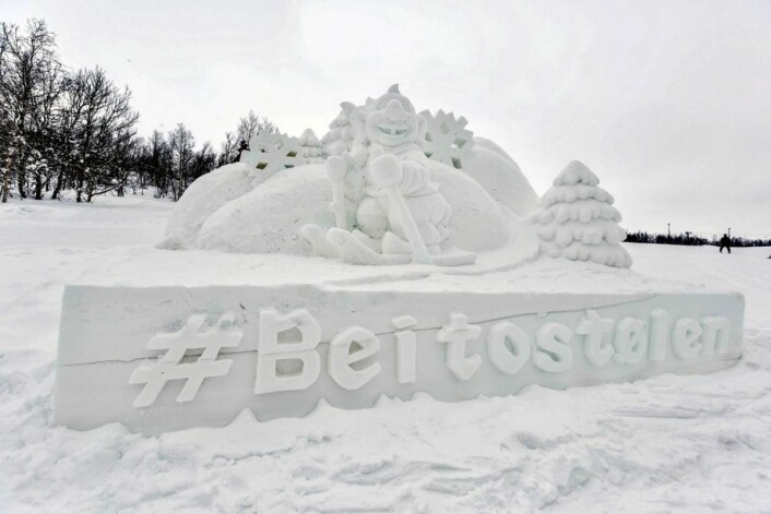 Snøskulpturer på Beitostølen. (Foto: DestinasjonsKirurgene)
