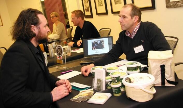 Hans Arild Grøndahl deltok på Lokalmat.no/Matmerks «speed-date», der han presenterte produktene for nye potensielle kunder. (Foto: Morten Holt)