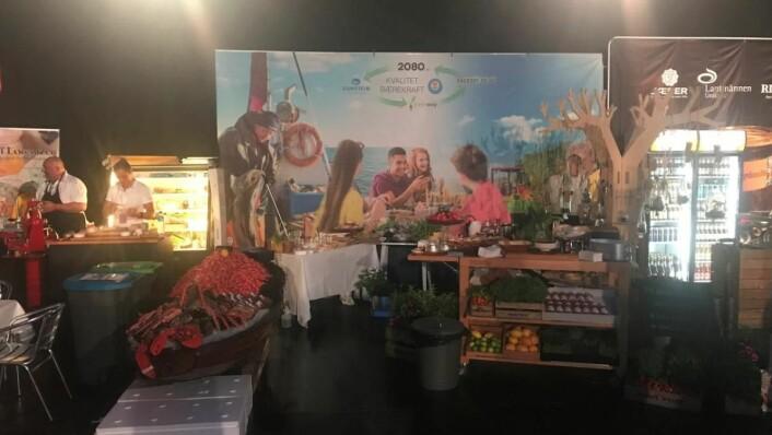 Engrosfrukt, Domstein Sjømat, Greenway og 2080.no hadde den beste standen på NHO Reiselivs Årskonferanse 2018, mener juryen. (Foto: NHO Reiseliv Innkjøpskjeden)