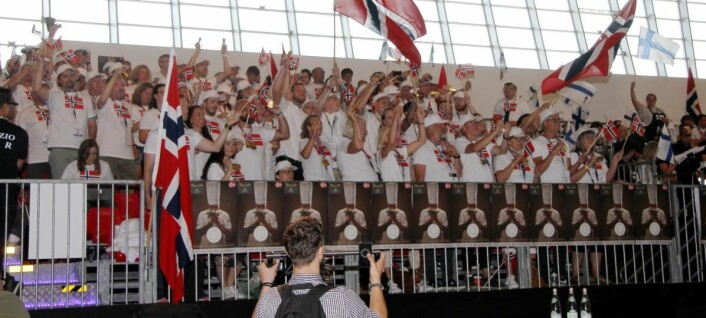 Norske fans i hallen i Torino. (Foto: Morten Holt)
