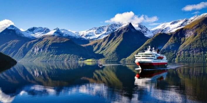 Hurtigrutens 125-årsjubileum er plastfritt fra Svalbard i nord til Seattle i vest og Hong kong i øst. (Foto: Erika Tiren)