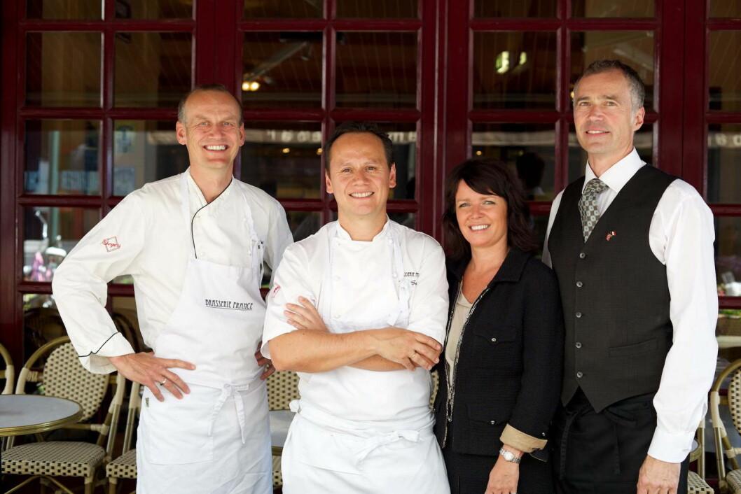 De har eiet og drevet Brasserie France helt siden starten i 2001: Fra venstre Knut Brottveit, Pål Suarez, Ingun Suarez og Knut Wesenberg. (Foto: Audun Agre)
