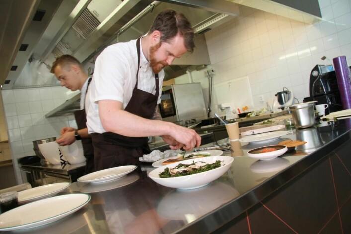 Eirik Mehus er kjøkkensjef i den nye restauranten. (Foto: Morten Holt)