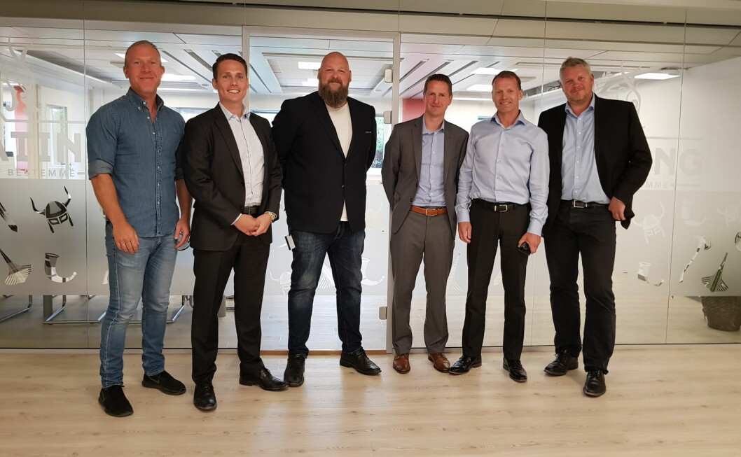 Fra venstre Alexander Nordvik (Regionsjef Uteliv Øst, Hansa), Lasse Olberg (CFO, Gulating), Tom Anders Solberg (COO, Gulating), Lasse Eliassen (Salgsdirektør Uteliv, Hansa), Lars Giil (Adm. Dir, Hansa), Rolf Ivar Skår (CEO, Gulating). (Foto: Jane Elin Brattland)
