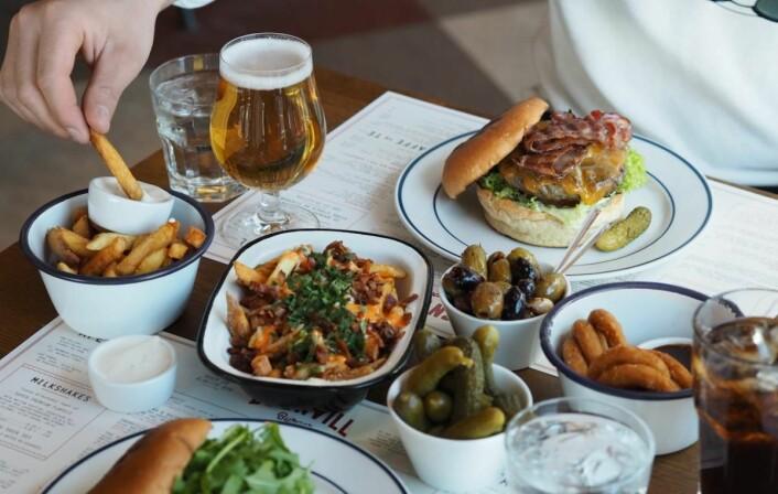 Døgnvill Burger åpner en ny restaurant i Bjørvika i oktober. (Foto: Døgnvill Burger)