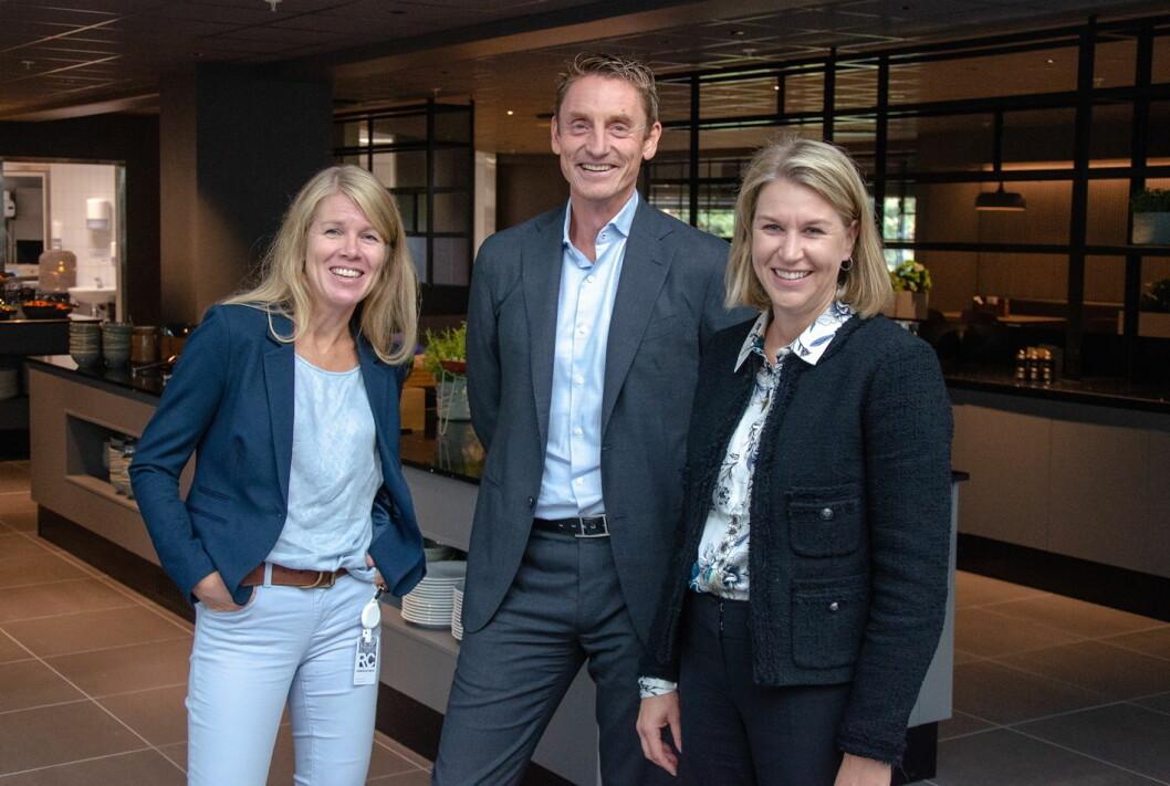 Cecilie Grøsland (fra venstre), som skal lede Fursetgruppens storsatsing på kantine, gründer og eier Bjørn Tore Furset og direktør for marked og drift i Aspelin Ramm, Mona Aarebrot. (Foto: Simen Ishaug/Fursetgruppen)