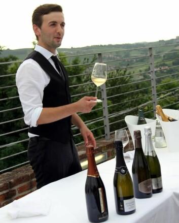 Alta Langa er virkelig den store stoltheten og hva de lokale drikker av bobler i Piemonte. (Foto: Morten Holt)