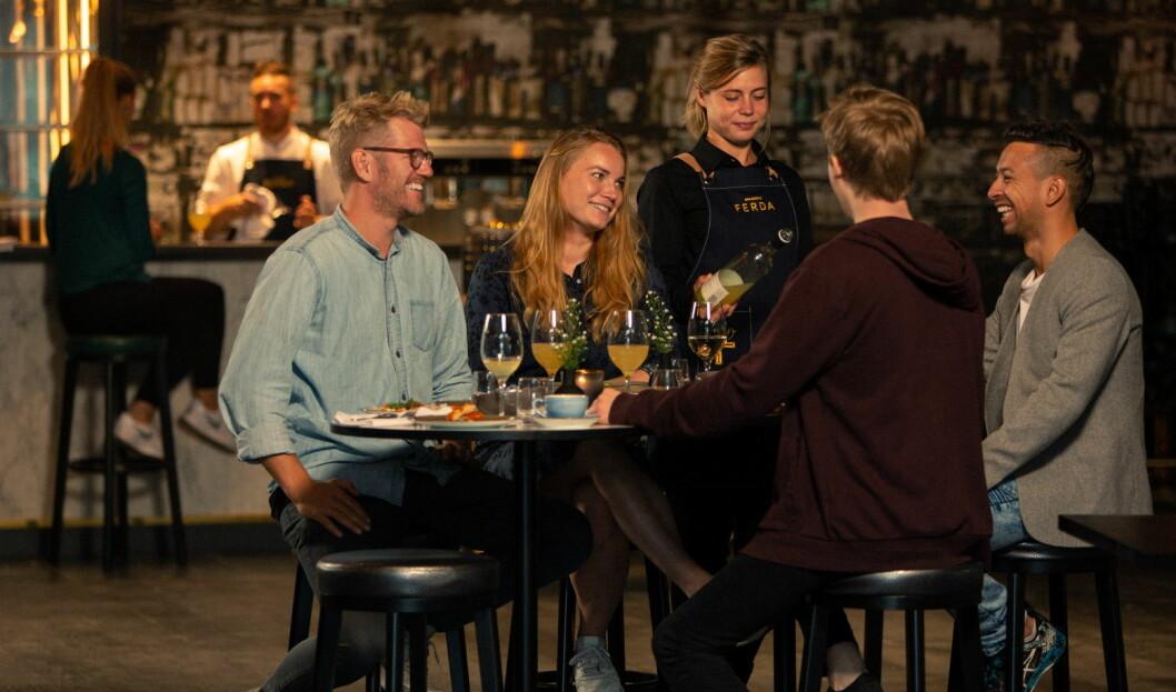 – På menyen har vi blant annet nevamat - retter som gjerne deles over bordet. Vi lager rause porsjoner av ærlig, rustikk og håndlaget mat, sier F&B-manager Arne Marius Berg. Foto: Brasserieferda.no)
