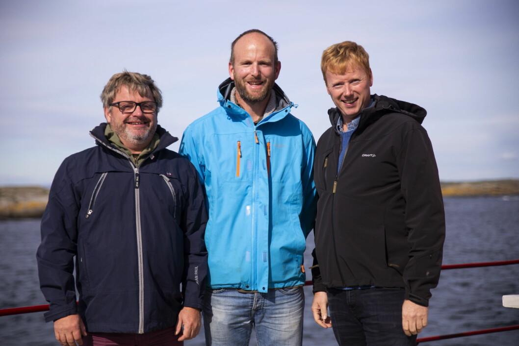 Fra venstre Bernt Bucher Johannessen (daglig leder i Hanen, Gunnar Sagstuen fra Røyland Gård og Meny-sjef Vegard Kjuus. (Foto: Trine Merete Olsen)