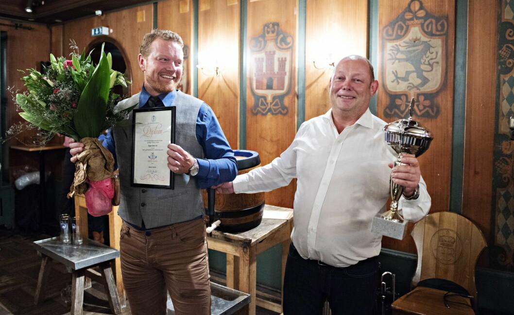 Edgars Bakeri i Mandal er kåret til Årets bakeri 2018. Hans Inge Justnes (til venstre) og Rune Vindsetmo tok imot prisen i München der store deler av den norske bakeribransjen er samlet på verdens største bakerimesse. (Foto: Jon-Are Berg-Jacobsen, Vest Vind Media)